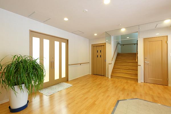 階段、エレベーター